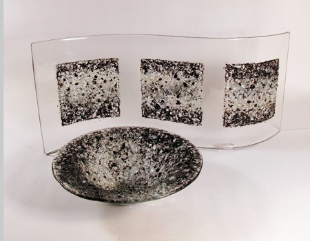 "16"" X 8"" black textured wave, 7"" textured salad bowl"